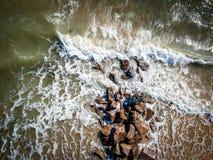 在波浪以后的波浪 免版税库存照片