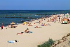在波罗的海的一个沙滩的夏天 免版税库存图片