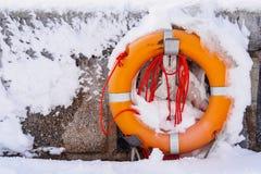 在波罗的海的岸的冬天在萨斯尼茨 免版税库存照片