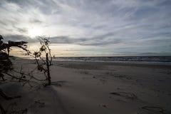 在波罗的海的日落在Karwienskie Blota 2018年 库存照片