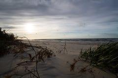 在波罗的海的日落在Karwienskie Blota 2018年 免版税库存照片