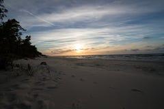 在波罗的海的日落在Karwienskie Blota 2018年 图库摄影
