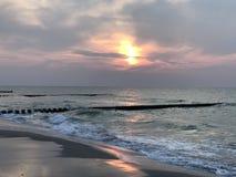 在波罗的海的美好的日落 库存图片