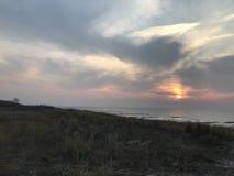 在波罗的海的美好的日落 免版税库存照片
