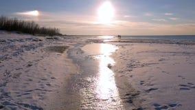 在波罗的海,里加,拉脱维亚96fps海湾的日落  股票视频
