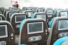 在波音787 Dreamliner的个人飞行中娱乐系统在新加坡Airshow 2012年 免版税库存图片