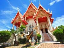在泰国寺庙的大象雕象 免版税库存照片
