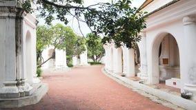 在泰国寺庙的方式 免版税库存照片