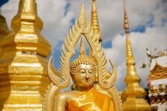 在泰国寺庙的菩萨雕塑 免版税图库摄影