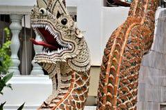 在泰国寺庙的蛇纳卡语 免版税库存图片