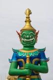 在泰国寺庙的绿色巨人 免版税库存图片