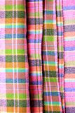 在泰国布裙的五颜六色的宏观样式背景 图库摄影