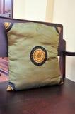 在泰国样式的丝绸枕头 免版税库存照片
