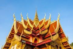 在泰国样式的屋顶山墙 免版税库存照片