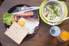 在泰国样式的早餐 免版税库存照片