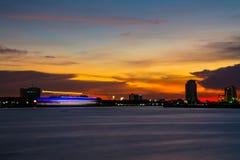 在泰国河的船运动 免版税库存图片