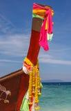 在泰国海岛海滩的旅行小船 免版税库存图片