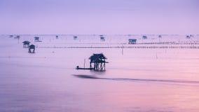 在泰国海湾渔场海的日出  免版税库存照片