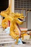 在泰国的一个大龙雕象 库存图片
