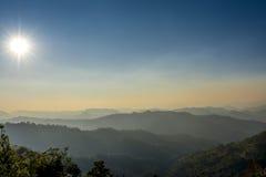 在泰国的北部的山 免版税库存照片