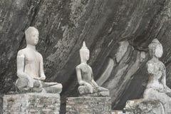 在泰国的Wat的老菩萨雕象 图库摄影