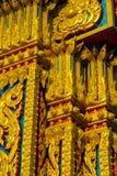 在泰国装饰在佛教寺庙Wat的马赛克 图库摄影