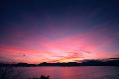 在泰国,亚洲的普吉岛海岛上的日落 免版税库存照片