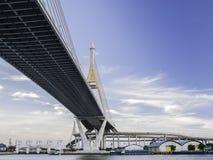 在泰国,亦称工业圆环的Bhumibol桥梁 免版税库存图片
