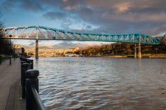 在泰恩河的地铁桥梁 免版税库存图片