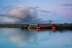 在泰晤士河的小船在牛津附近。 库存图片