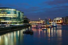 在泰晤士河的HMS贝尔法斯特在伦敦。 免版税库存图片