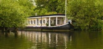在泰晤士的河船在牛津 图库摄影