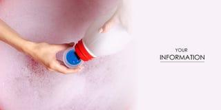 在洗涤的胶凝体的肥皂的水在水池enemale搽粉的洗涤剂液体洗衣店胶凝体样式 免版税库存照片