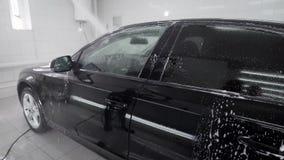在洗车的黑色汽车 股票视频