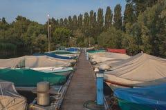 在洛枷诺湖的日出  免版税库存照片