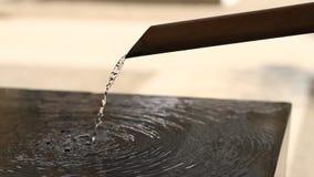 在浅草寺庙的洗净低谷在东京特写镜头 股票视频