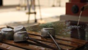在浅草寺庙的洗净低谷在东京特写镜头 影视素材