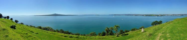 在海、海岛和半岛的全景 库存照片