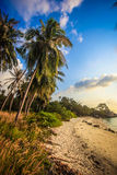 在海上的美好的日落酸值的Phangan 免版税图库摄影
