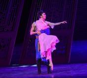 """在海丝绸Road†他们的婚姻舞蹈戏曲""""The梦想的夫妇喜悦  免版税库存照片"""