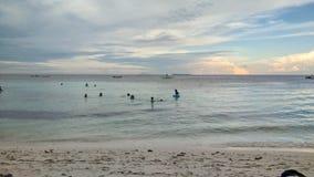 在海享受夏天 免版税图库摄影