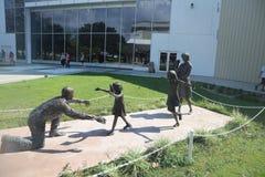 在海军航空博物馆的团聚雕象 图库摄影
