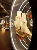 在海军陈列的sailship微型模型 库存照片