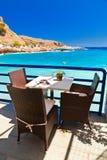 在海前面的咖啡馆 免版税图库摄影