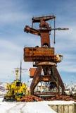 在海口的老起重机 免版税图库摄影