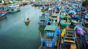 在海口.KHANH HOA,越南2月2日的渔船船锚 免版税图库摄影