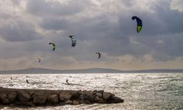 在海天线的滑水竞赛,分裂,克罗地亚 免版税库存图片
