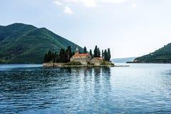 在海岛上的修道院在Perast 图库摄影