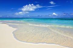 在海岛上的天堂海滩 免版税库存照片