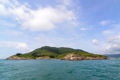 在海岛上的微型灯塔 免版税图库摄影